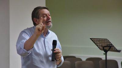 Smlouva s Bohem, Mark Zechin